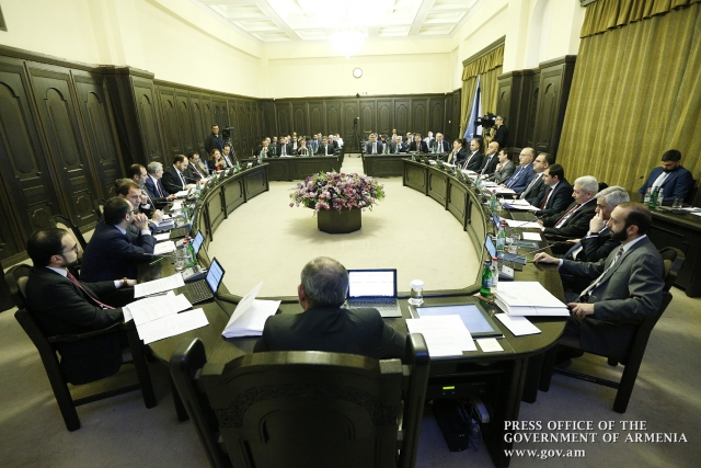 Программная речь Пашиняна: Армии будет выделено дополнительно $2,5 млрд