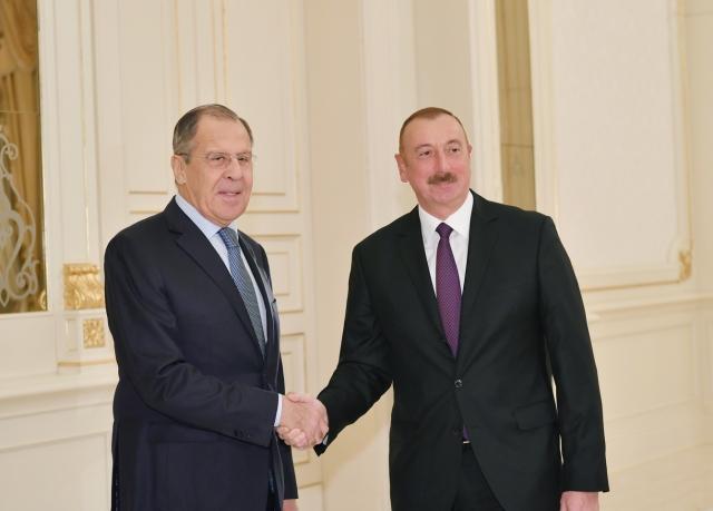 Россия продолжит содействовать прямому диалогу Баку и Еревана: Лавров