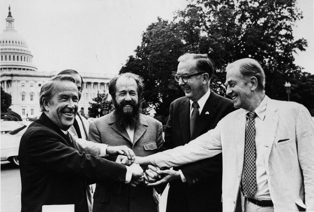 Солженицын среди американских сенаторов. 1975