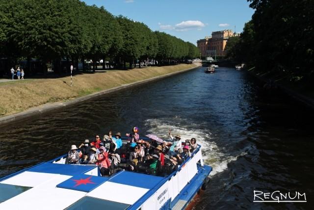 Порядка 3 млн человек прокатились по рекам и каналам Петербурга в 2018 году