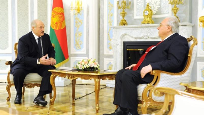 Александр Лукашенко и Армен Хачатрян