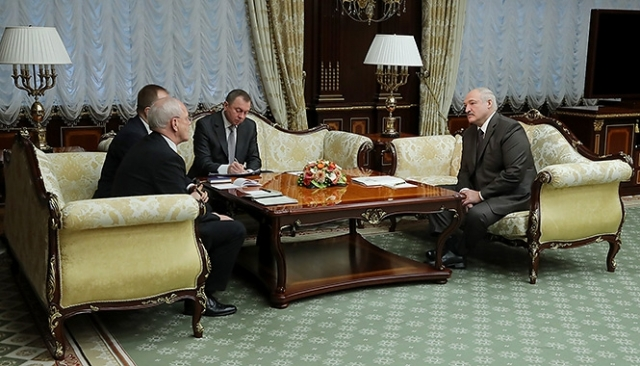 Встреча Александра Лукашенко с Чрезвычайным и Полномочным Послом Германии в Беларуси Петером Деттмаром. 11 декабря 2018 года