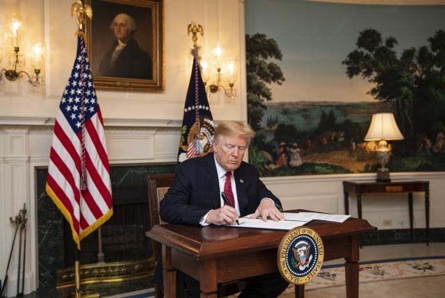 Трамп определился с главой аппарата Белого дома