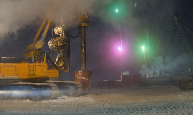 «Этого события ждали 39 лет»: на Ямале ускоренно строят платный мост