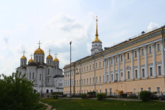 Успенский собор и образовательно-культурный центр «Палаты»