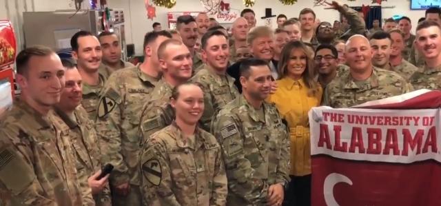Дональд Трамп на американской военной базе в Ираке