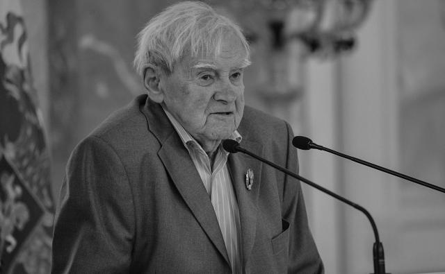 «Идущий на грозу»: выставка к столетию Даниила Гранина в Санкт-Петербурге