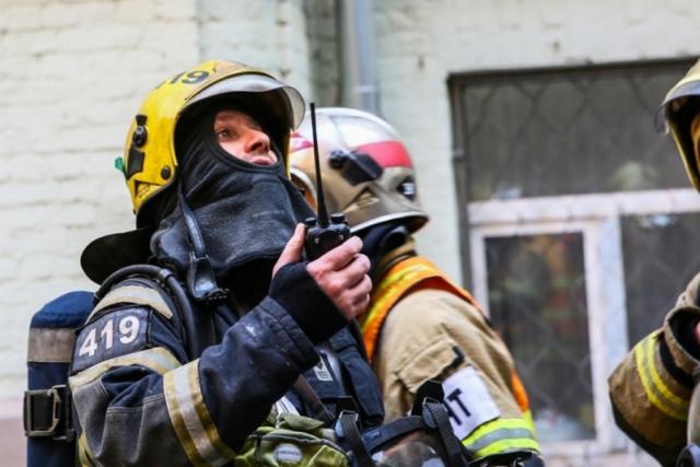 Ликвидирован пожар в  трёхэтажном гаражном комплексе в Москве