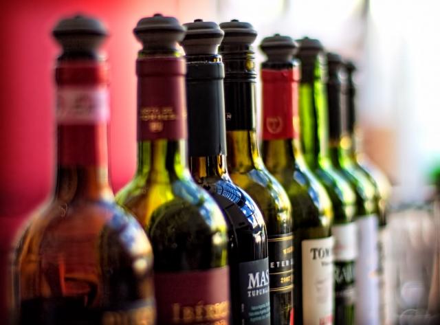 Жители Прибалтики больше всех в ЕС тратят на алкоголь