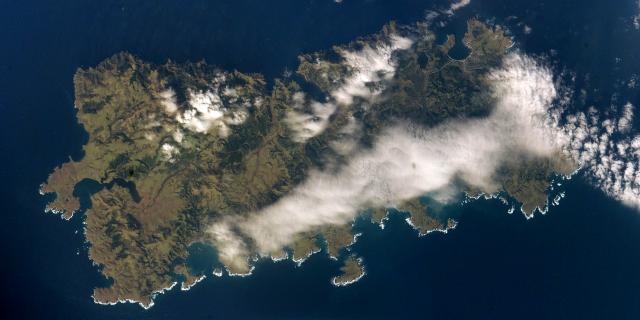 Вид на о.Шикотан с космоса
