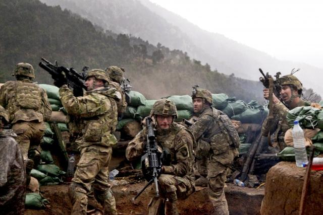 Американские солдаты ведут бой в Афганистане