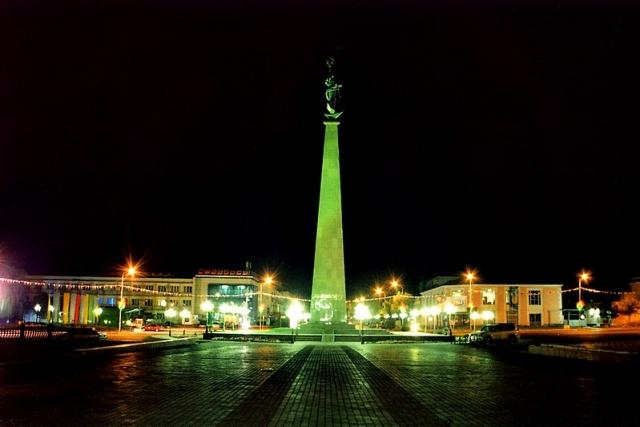 Стела на Площади Ордабасы. Чимкент