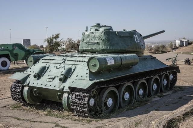 В Россию из Лаоса прибыли 30 танков Т-34