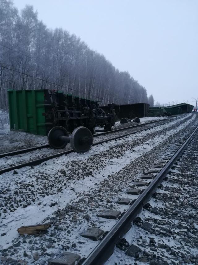 В Оренбуржье следователи проводят проверку по факту схода с рельсов поезда
