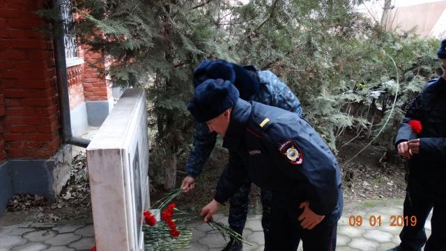 В Дагестане почтили память погибших в теракте 1996 года