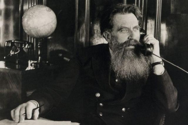 Первый руководитель Севморпути Отто Юльевич Шмидт. 1936