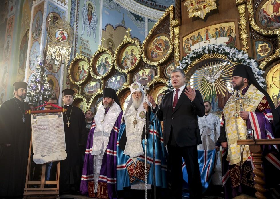 Пётр Порошенко в Свято-Покровском кафедральном соборе Ровно