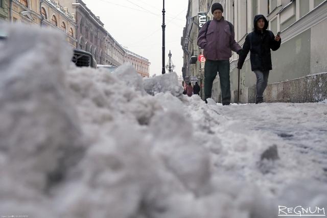 Прокуратура сочла «недобросовестной» уборку снега и льда в Петербурге