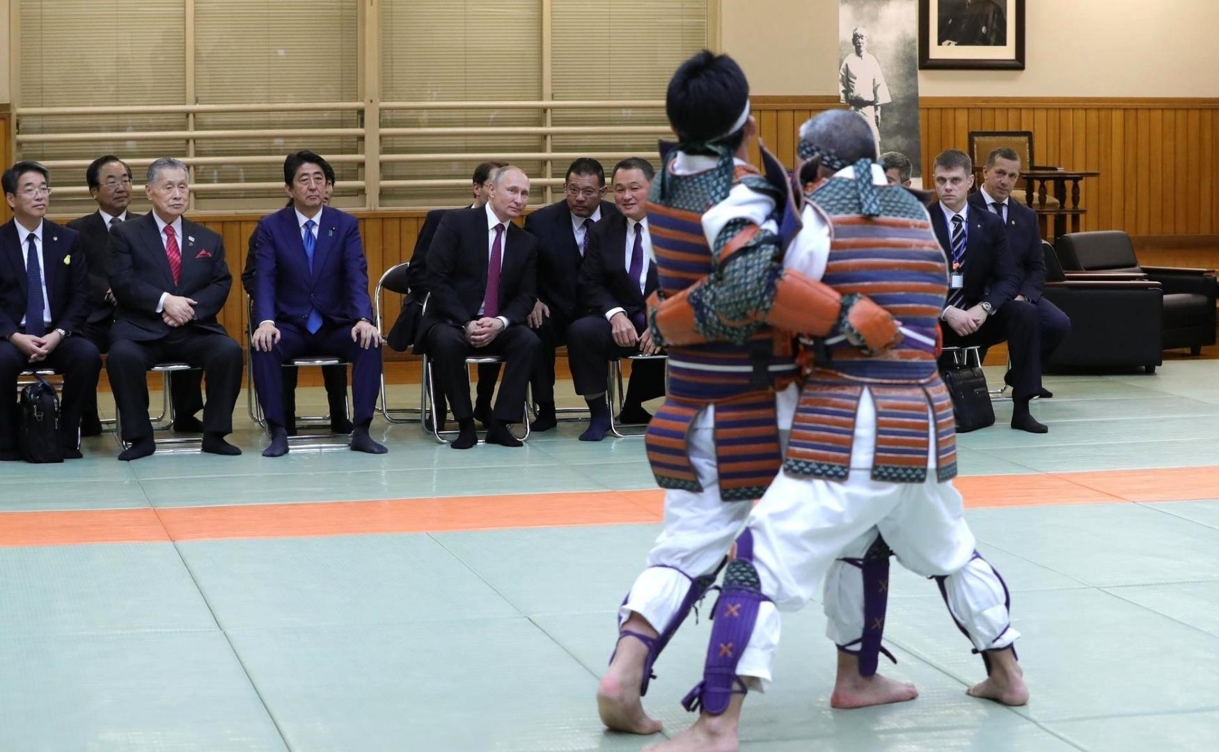 Владимир Путин во время визита в Японию