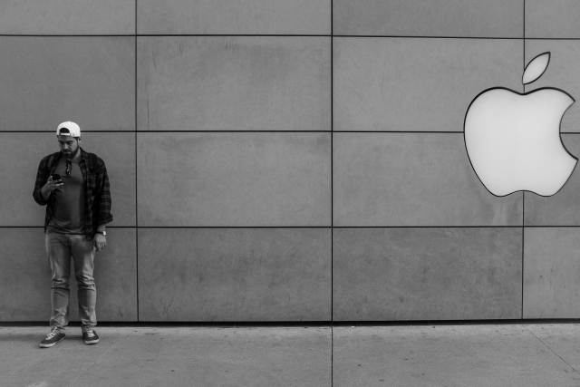 Apple выпустит три новых модели iPhone в 2019 году