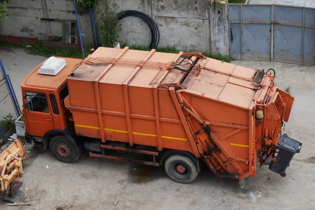 В Югре перевозчика мусора объявили вне закона