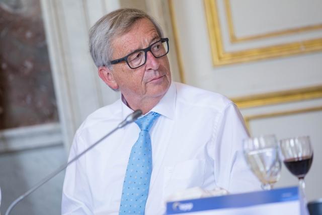 Юнкер: ЕС не собирается пересматривать договор по Brexit