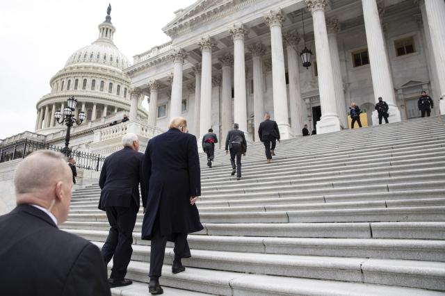 Рекорд приостановки работы правительства побит в США