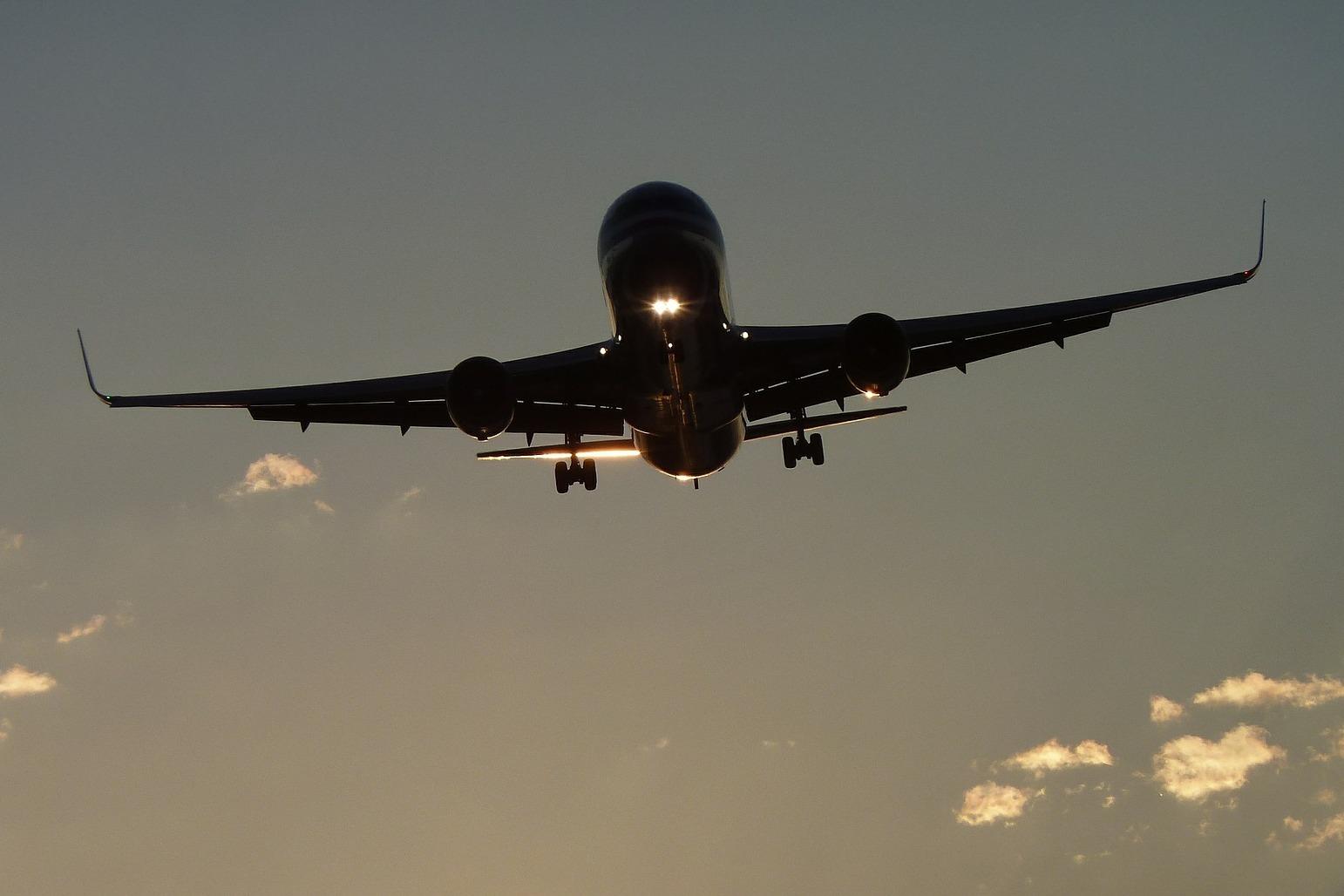 Самолет идёт на посадку
