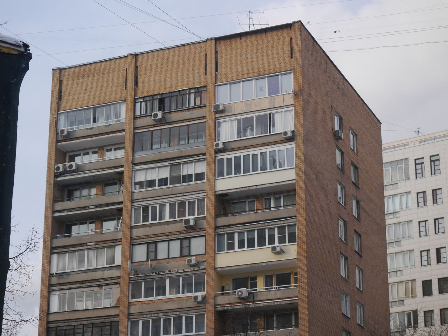 Дом работников гардинно-кружевной фабрики им. Тельмана, 1975