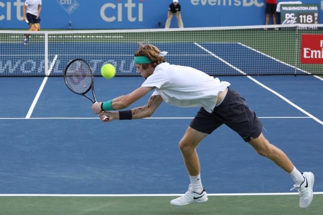 Теннисист Рублёв проиграл в первом круге Australian Open