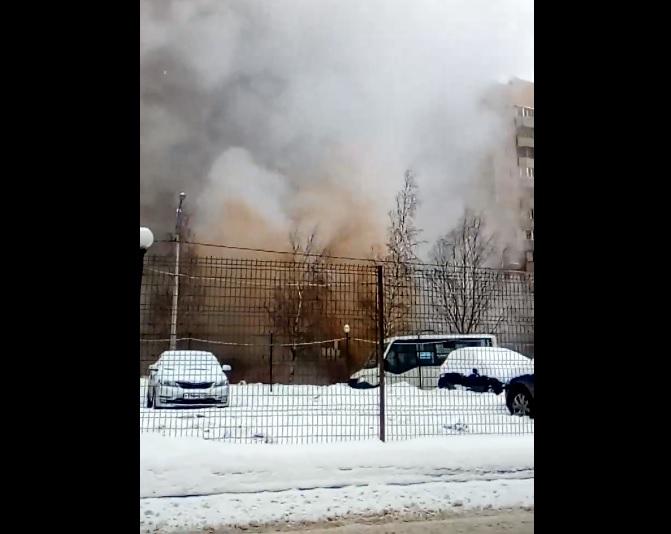 Прорыв теплотрассы на Шуваловском проспекте Петербурга (цитата группы «ДТП и ЧП»)