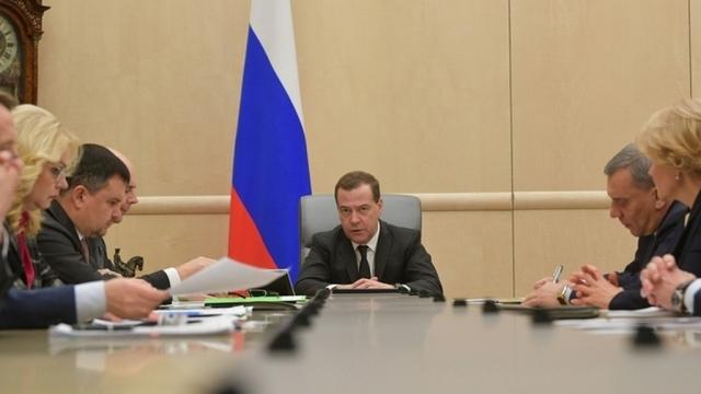 «Надо провести разбор полётов» — Медведев о взрыве в Шахтах