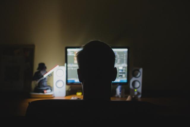 Отец хочет сделать из сына киберспортсмена при помощи соцсетей