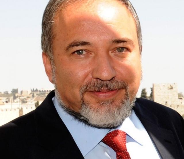 Бывший министр обороны Израиля Либерман планирует вернуться в ведомство
