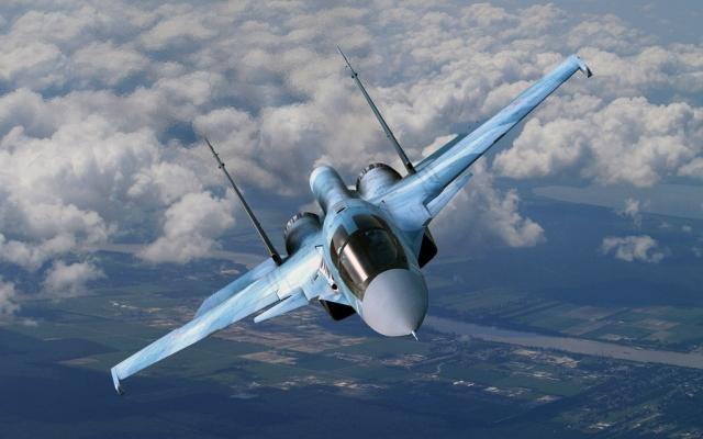 Спасатели обнаружили тело второго пилота Су-34, упавшего в Японском море
