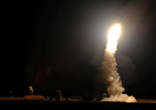Сирийские ПВО отразили несколько «волн» ракет Израиля — СМИ