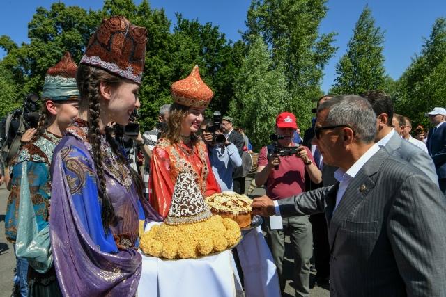 Татарский народный праздник Сабантуй в г. Казань