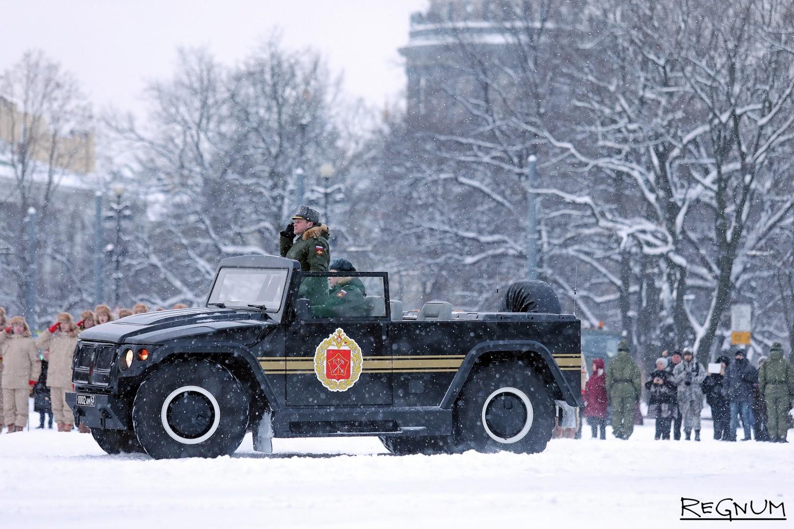 Командующий парадом на Дворцовой площади