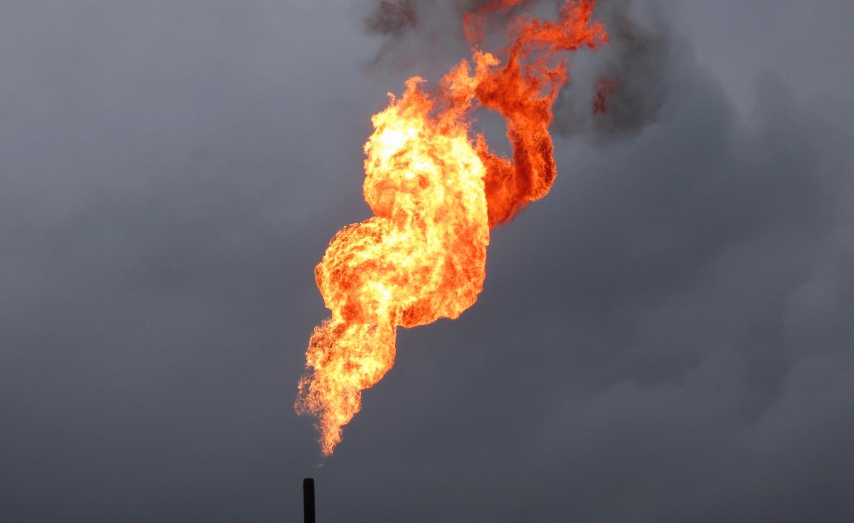 Пламя нефтяного факела