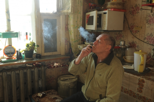 Юрий Дунаев в своей арктической квартире в посёлке Рыркайпий