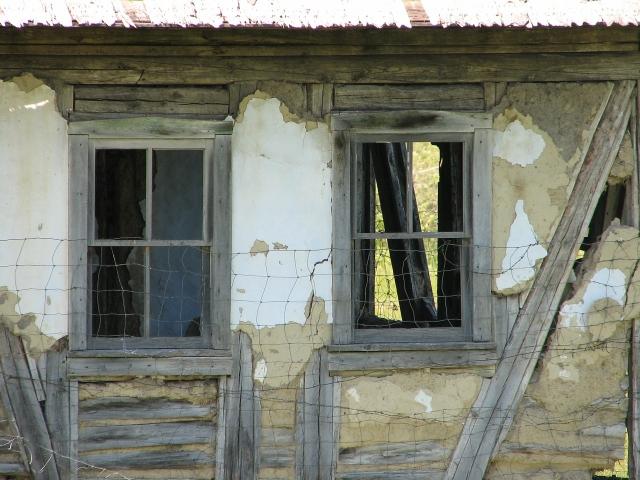 Угроза для жизни: пермяков не эвакуировали после обрушения в жилом доме photo
