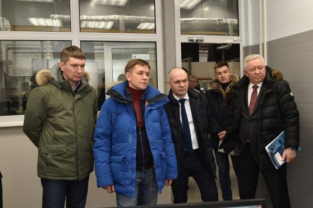 Константин Носков во время посещения призводственной площадки ПАО «Протон-ПМ»