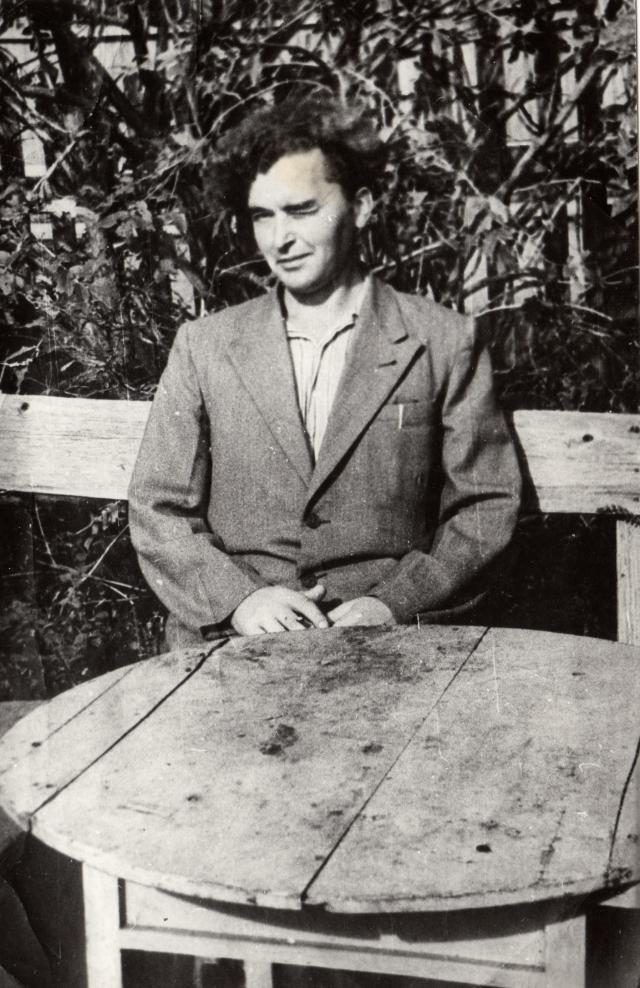 Прокофьев М.В. -бывший  главный инженер крабозавода на о.Зеленом директора Южно- Курильск  1957 г.