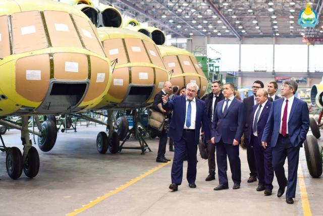 Юрий Трутнев посещает авиазавод в Улан-Удэ
