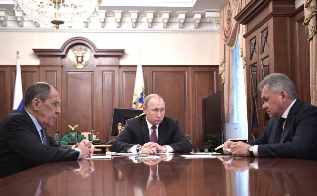 Лавров и Шойгу отказались от думских мандатов «Единой России»
