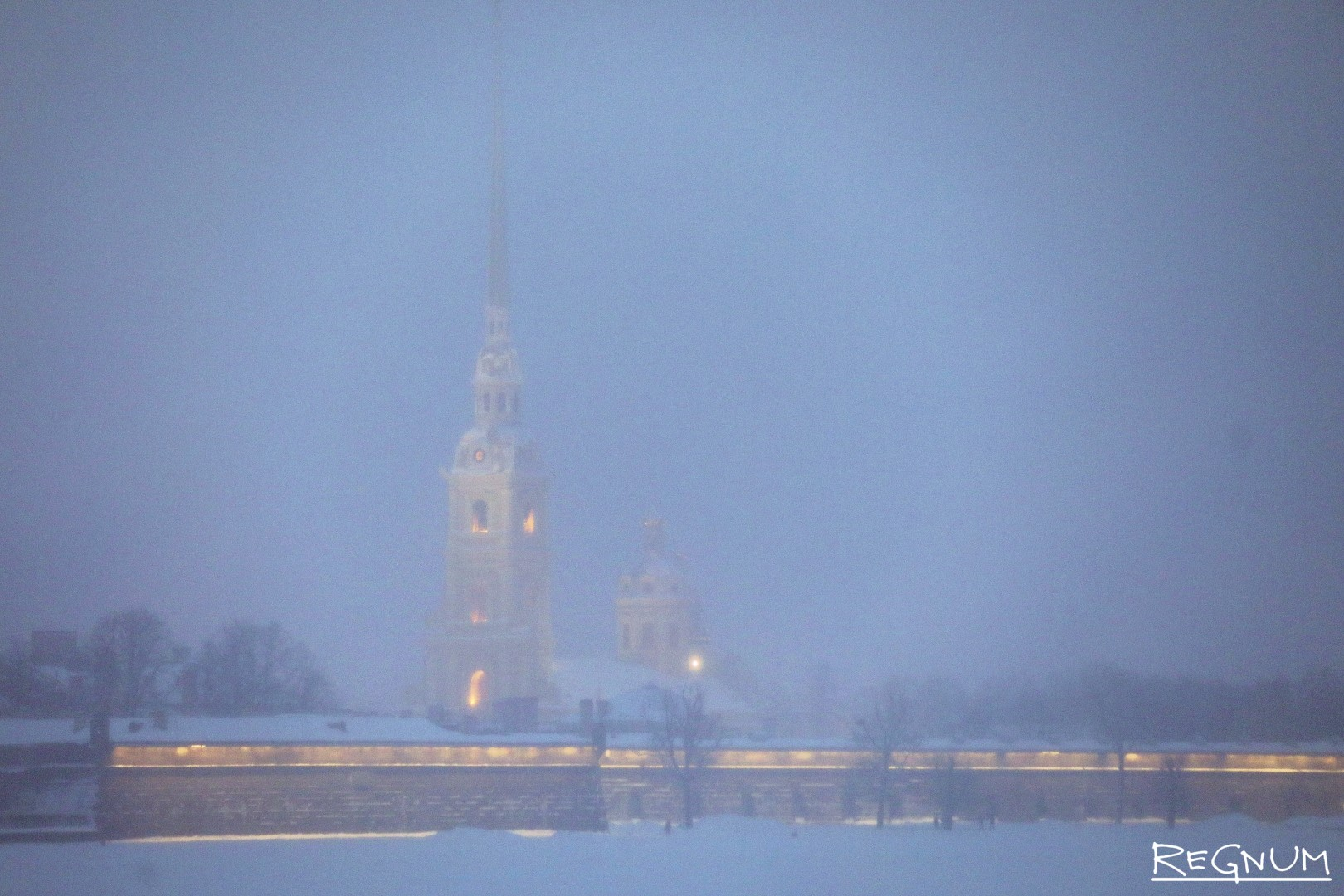 Петропавловская крепость в метель