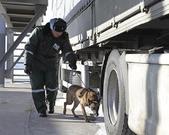 Проверка фуры на казахской границе
