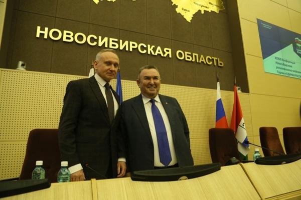 Андрей Панфёров (слева) и Виктор Ильенко (справа)