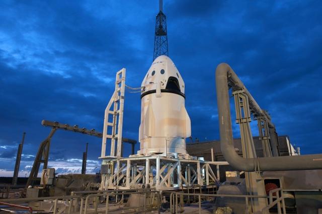 NASA вновь перенесло испытательный полёт корабля Crew Dragon к МКС