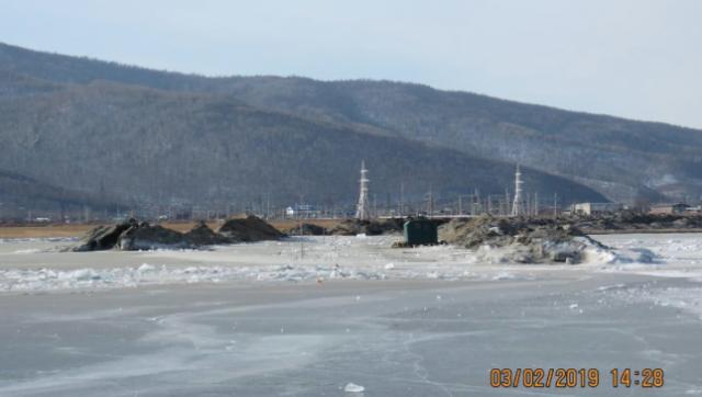 Вырытая траншея вплотную подошла к Байкалу